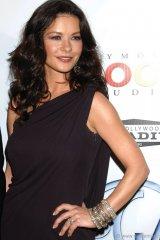 Catherine Zeta Jones, wearing Bochìc, at the Producers Guild Awards.