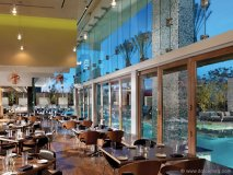 Simon at Palms Place This Las Vegas resto-lounge is for anyone fed up with conventional cuisine. Executive chef Kerry Simon does more than satisfy with a menu that pushes the boundaries of mainstream prime meats and sushi.