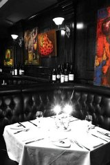 With Frank Sinatra-like charm, La Queue de Cheval is a classy Montreal dining experience that embraces that classic-cool mentality. A must-visit for the nostalgic man.