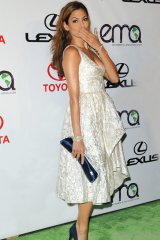 Whether its walking the red carpet or spending a day out on the town, celebrities like Eva Mendes know the importance of completing their hot look with that perfect purse.