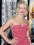 Julianne Hough finds a Safe Haven in style with this vanilla, blackberry and raspberry-inspired Le Vian Snake Ring. www.levian.com Photography Courtesy Of D'Orazio & Associates