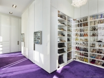 Walk-In Closet Space for 845 United Nations Plaza | Photos courtesy of Douglas Elliman Real Estate