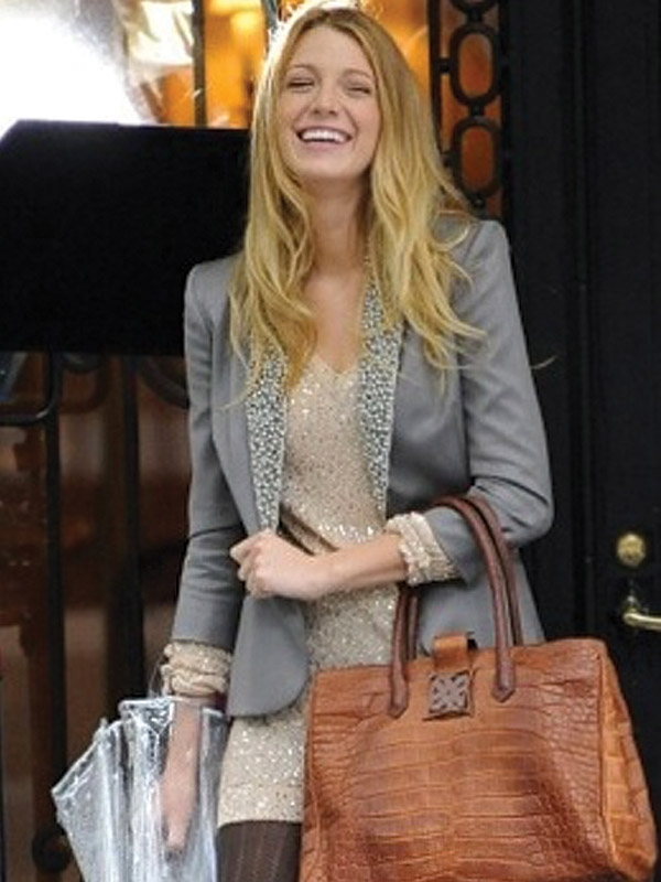 Take cues from style icon Blake Lively and opt for a chocolate-coloured handbag. Designed for Analeena's autum/winter collection, this piece is elegant and timeless.