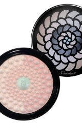6. Illuminati: Housed in an elegant and fabulously designed compact, this stylish cover-up powder contains an assortment of luminous shades to emphasize the colour of your skin while concealing unsightly blemishes.