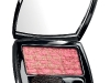 3. Need for Tweed: The celebrated tweed fabric from Chanel has now inspired a blush duo that will keep you looking cheery and polished. Two contrasting colours help to collectively create a radiant glow on your cheeks.