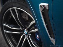 BMW made the game-changing decision to fit the X6 M with carbon ceramic brakes for more direct braking power.