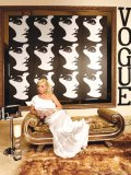 This haute home displays a little taste of the modern twist of old Hollywood class meets Andy Warhol. As an image consultant and designer of events, interiors and furniture, and as founder of A-Bragg Design, Anicia Burton has an eye for innovative styles and fuses fashion with interior decorating.