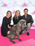 Danielle Eden, Jewel and Robert Scheinberg with Napa the mastiff