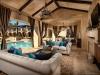 Cabana looking north at house | David Guettler Photography