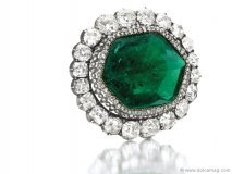 Auctioned off at The New York Sale by Christie's for $1,650,500, Catherine the Great's Emerald and Diamond Brooch is a rare historical gem.