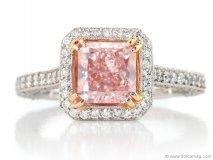 Guildhall\'s 0.29 Carat Radiant Cut Fancy Pink Argyle Diamond Ring