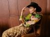 Look: DRIES VAN NOTEN | Hat: LIU JO | Boots: SALVATORE FERRAGAMO | Photography by Oliver Rauh