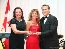 Vonna Bitove (centre) is joined by Connie Stavro Giamos and United Macedonian Diaspora chairman Stojan Nikolov as she receives the Global UMD Macedonian Heritage Public Service Award