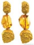 ▲ Don a pair of sparkling, honey-hued gems for a look that radiates sunlight. www.craigevansmall.com
