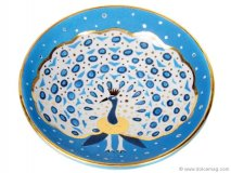 Whether it's holding jewelry or hanging on the wall, this Blue Fan Peacock bowl will add a decadent touch of colour to your home. www.vivre.com