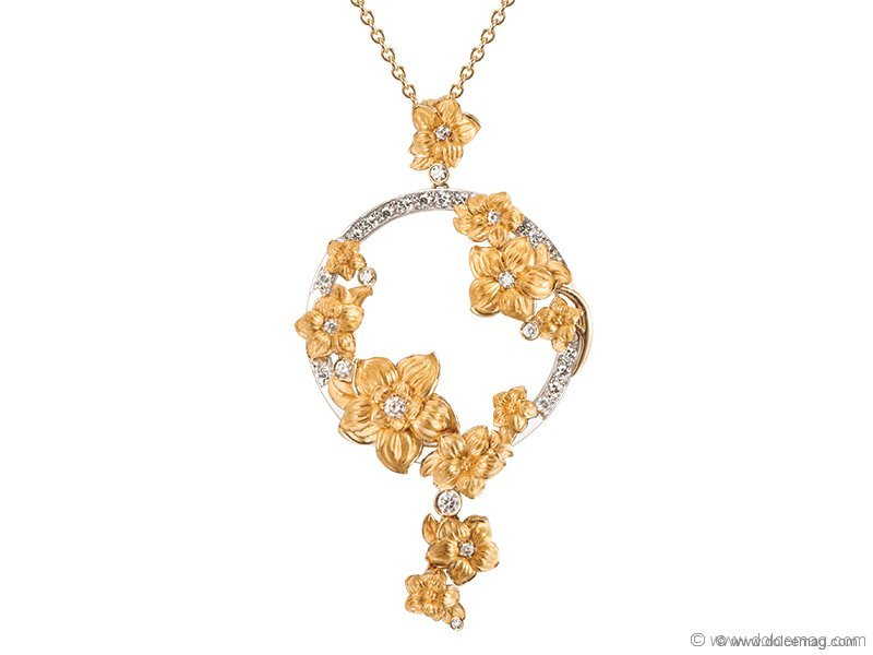 1. IT'S BOUQUET WITH ME Inspired by the floral motifs hand-embroidered on Manila shawls, the Emperatriz Bouquet Maxi Pendant sparkles with a mix of 18-karat gold and diamonds, creating a delicate yet strong take on the classic floral theme. www.carreraycarrera.com