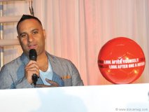 russell peters speaks at the event