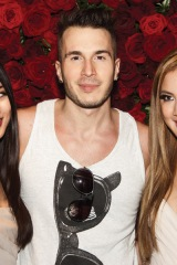 Singer Shawn Desman with fans