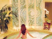 Renowned as the crown jewel spa, the Hotel del Coronado in sunny San Diego features 21 ocean-view treatment rooms for an elite experience.