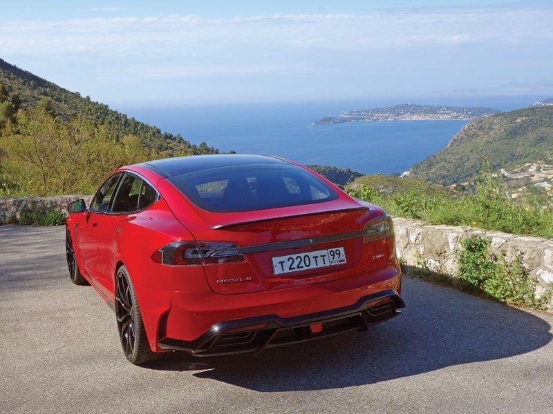 Larte Design's Tesla S Elizabeta features a boldly re-designed exterior and face-lifted interior