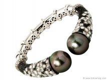 smokey pearls bracelet