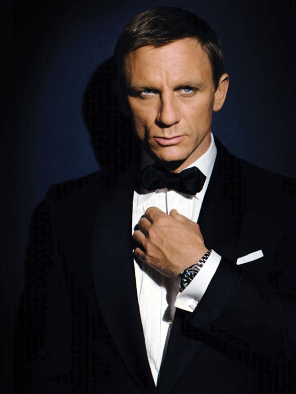 Daniel Craig as James Bond, wearing an Omega 2201.50 Planet Ocean watch