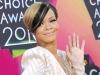 Rihanna wearing a Sutra Jewels diamond ring