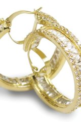 Oro Milano provides custom work and jewelry or watch repairs.